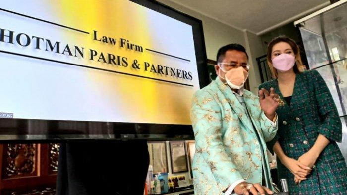 Respons Hotman Paris soal aduannya terhadap kuasa hukum Hotma Sitompul.