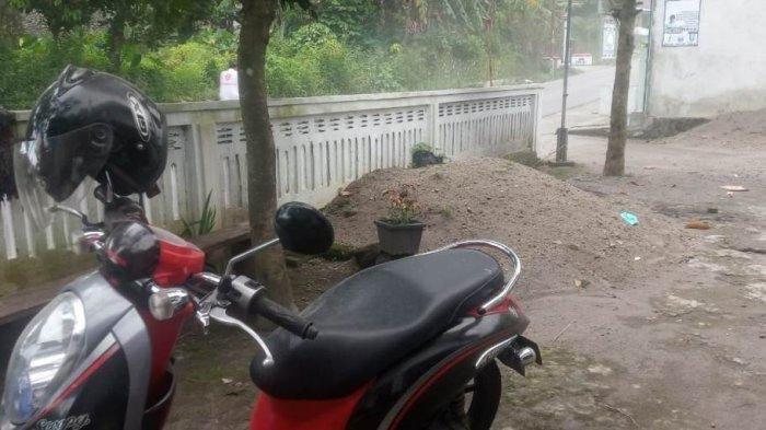 Sebagian Wilayah di Kabupaten Magelang Diselimuti Hujan Abu