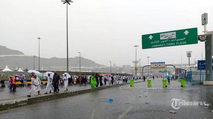 Kabar dari Tanah Suci, Makkan Hujan Deras, Banjir Dan Tenda Jemaah Haji di Mina Bocor