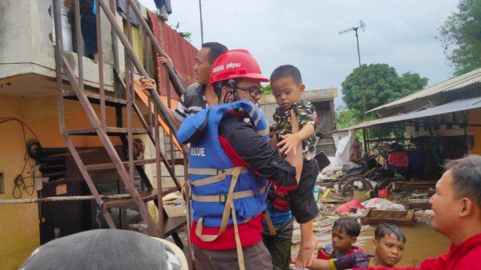 Siaga 2 Banjir Jabodetabek, Human Initiative Terjunkan Tim Rescue