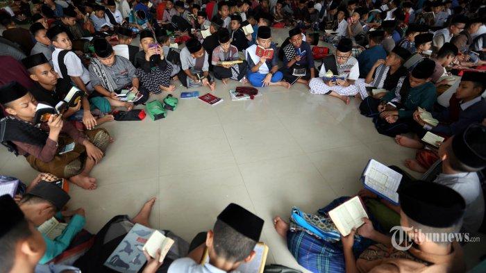 Tips Khatam Al Quran Di Bulan Ramadan Tribunnews Com Mobile