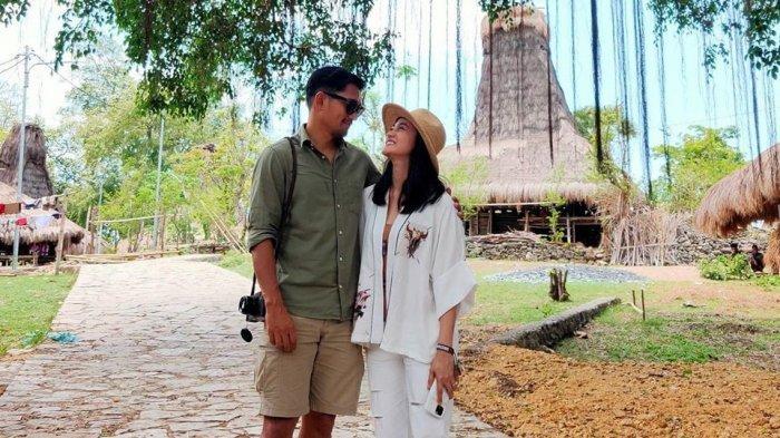 Sudah sah jadi suami istri, ternyata begini perjalanan cinta Ririn Ekawati dan Ibnu Jamil.