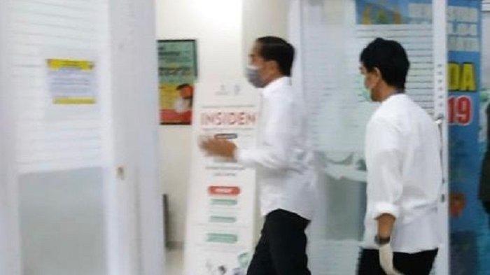 Presiden Jokowi tiba di RST Slamet Riyadi Solo pada Rabu (25/3/2020) pukul 18.20 WIB. Ibunda Jokowi menghembuskan napas terakhir di RS tersebut.