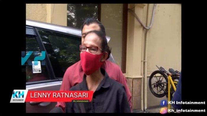 Ibunda Naufal Samudra, Lenny Ratnasari, tetap memberikan nasihat untuk sang anak yang kini mendekam di penjara karena kasus narkoba.