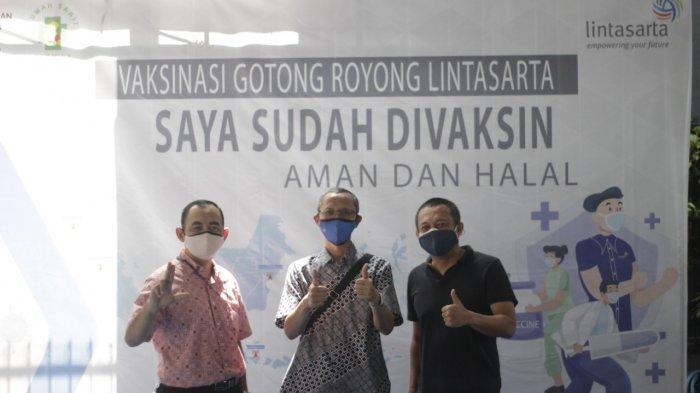 Perusahaan penyedia layanan ICT Lintasarta menggelar kegiatan vaksinasi Covid-19 dengan menyasar seluruh karyawan yang tersebar di Indonesia sebanyak 700 vaksin.