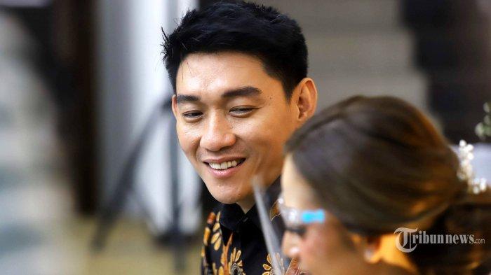 Penyanyi Ifan Seventeen resmi melamar sang kekasih, Citra Monica, di Jakarta, Selasa (6/4/2021). Ifan dan Citra berencana melangsungkan pernikahan pada akhir Mei 2021 mendatang. Tribunnews/Herudin