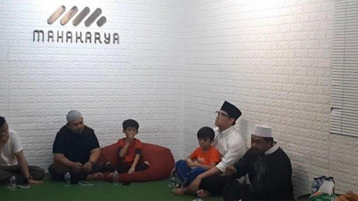 Ifan Seventeen usai menggelar Tahilan mengenang tsunami Tanjung Lesung di Kantor Manajemen Seventeen, Jakarta Selatan, Minggu (22/12/2019).