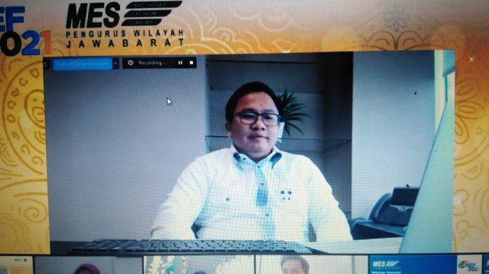 Ridwan Kamil dan Dua Orang Asing Diajak Gabung di Kepengurusan Masyarakat Ekonomi Syariah
