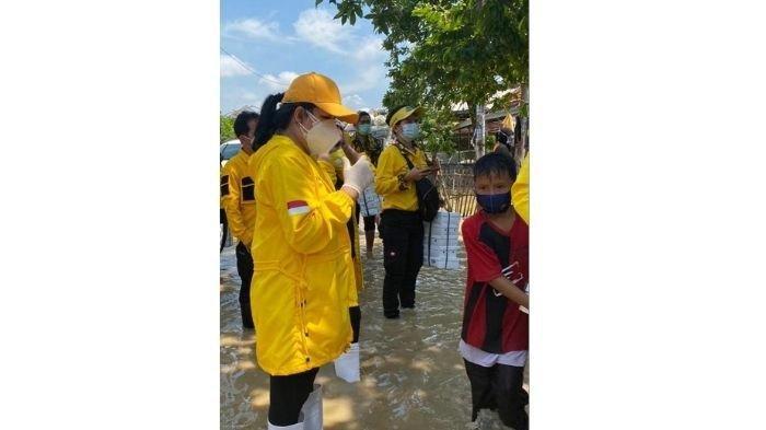 IIPG Salurkan Langsung Bantuan untuk Korban Bencana Banjir di Subang