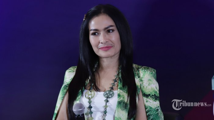 Komentari Video Istri Sah Serahkan Suami ke Pelakor, Iis Dahlia 'Ancam' Suami: Ninggalin Gue Nyesel