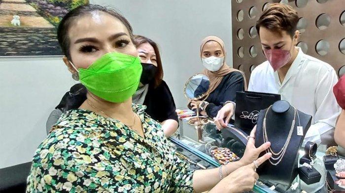 Iis Dahlia Ogah Utang Beli Berlian, Mengaku Punya Dana Khusus, Gak Pakai Duit Suami