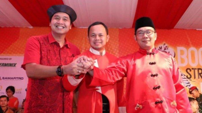 Ketua Umum TMP Maruarar Sirait, Walikota Bogor Bima Arya dan Gubernur Jawa Barat Ridwan Kamil dalam Perayaan Ca Go Meh tahun lalu di Bogor.