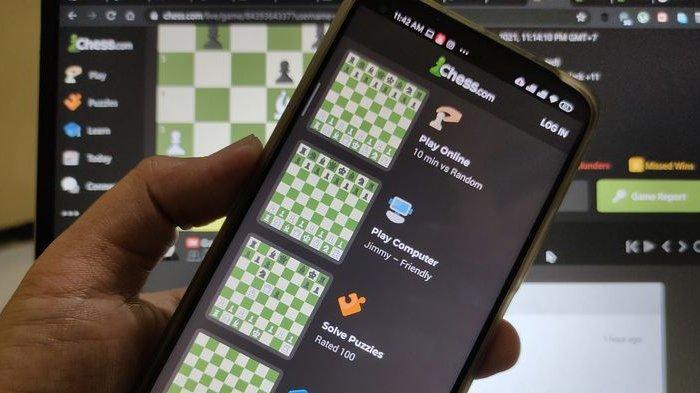 Ilustrasi permainan catur online, chess.com.