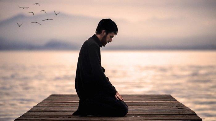 Bacaan Doa Kamilin, Doa Kebaikan Sesudah Shalat Tarawih Lengkap dengan Artinya