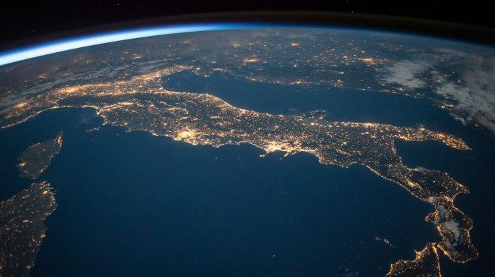 Potret Cuaca Ekstrem Hasil Tangkapan Satelit NASA Selama 2020, dari Kebakaran Hutan hingga Badai
