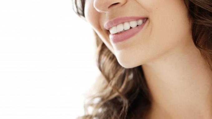 3 Cara Mudah Menghilangkan Plak Gigi Secara Alami, Selalu Jaga Kebersihan Mulut