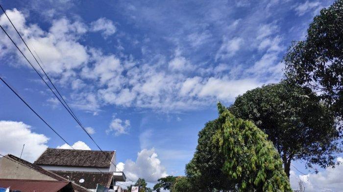 Prakiraan Cuaca 33 Kota Besar di Indonesia Besok, Selasa 2 Februari 2021: Manado Cerah Berawan