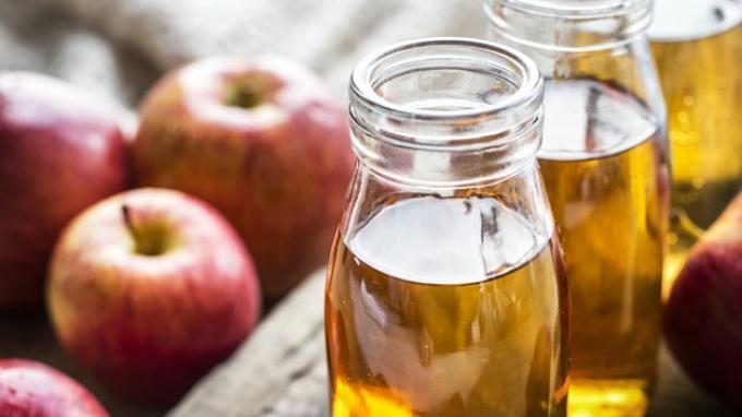 Hilangkan Jerawat di Wajah dengan Cuka Apel, Begini Cara Mudahnya