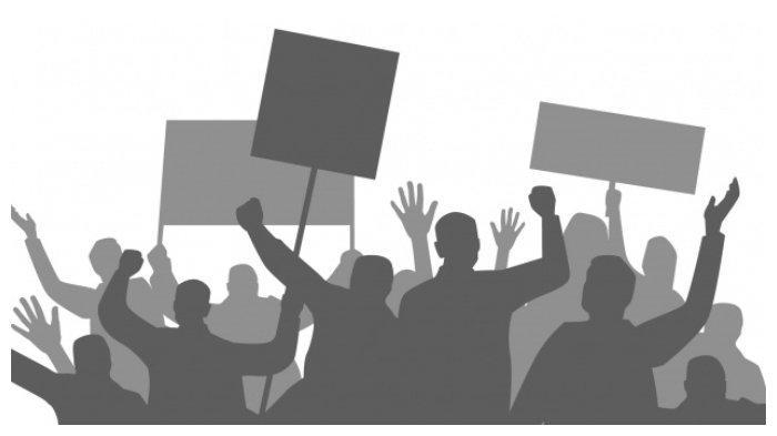 Unjuk Rasa di Seram Bagian Timur Berlangsung Damai, Polisi dan Demonstran Salat Berjemaah