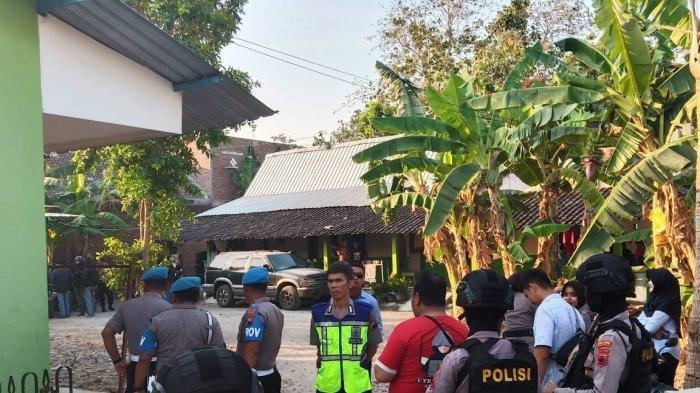 Ilustrasi ; Detasmen Khusus (Densus) 88 Antiteror menangkap seorang terduga teroris di Dukuh Serongan RT 01 RW 02, Desa Mayang, Kecamatan Gatak, Sukoharjo, Selasa (15/10/2019).