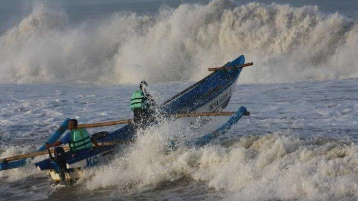 Info BMKG: Peringatan Dini Gelombang Tinggi Capai 6 M di Perairan Selatan Jawa Berlaku 3-5 Agustus