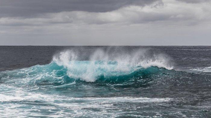 Info BMKG: Prakiraan Tinggi Gelombang dan Hujan Lebat Disertai Petir Hari Ini Senin 11 Maret 2019