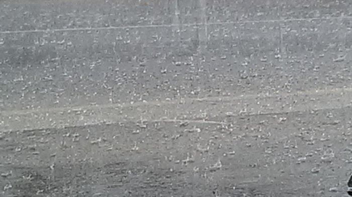 Minggu Sore, Warga Jabodetabek Diminta Waspadai Hujan Lebat Disertai Petir