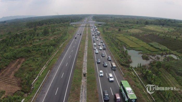 Arus Balik Liburan Natal dan Tahun Baru 2021, Tol Palikanci Macet di KM 190, Tol Cikampek Lancar