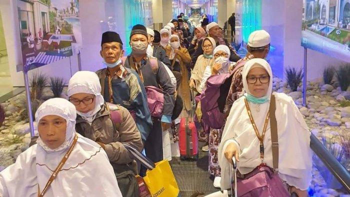 Amphuri Sebut Biaya Karantina Mandiri Jemaah Umrah Mahal