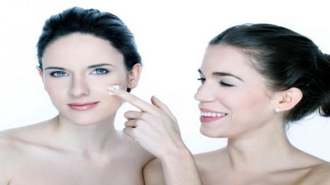 Mengingat Kembali Manfaat Kolagen, Hilangkan Jerawat hingga Atasi Masalah Rambut
