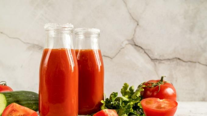 Ilustrasi jus tomat