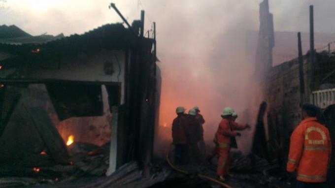 Mayat Perempuan Terbakar di Gubuk