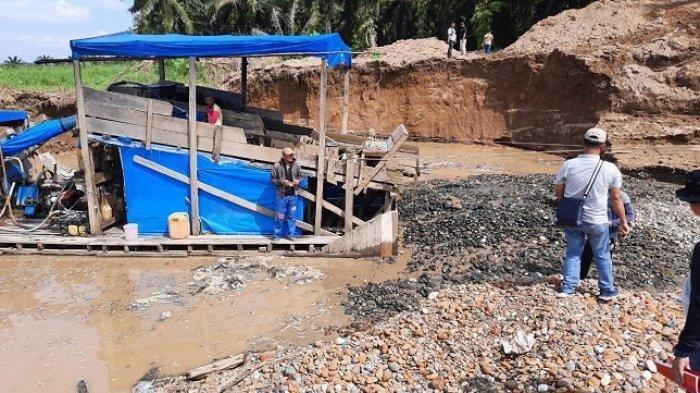 4 Korban Meninggal Akibat Longsor di Kawasan Tambang Emas Solok Selatan Tiba di Rumah Duka