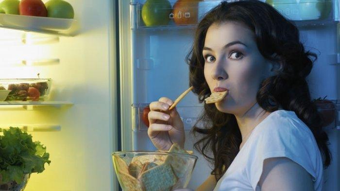 Efek Samping Makan Malam Terlalu Larut, Obesitas hingga Ganggu Kualitas Tidur