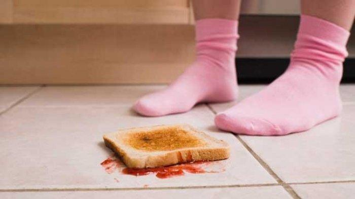 6 Kebiasaan Makan yang Dianggap Jorok Ternyata Sopan di Negara Lain, Termasuk Ambil Makanan Jatuh