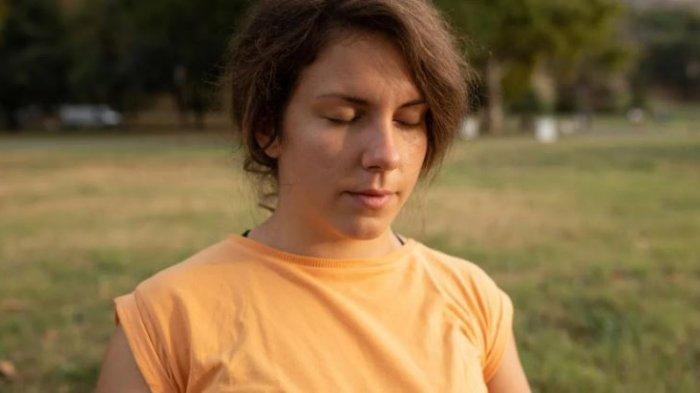 ilustrasi meditasi untuk menghilangkan stress.