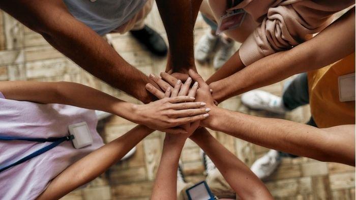 Beri Manfaat, Kolaborasi Swasta dan Local Hero Bantu Masyarakat Membutuhkan