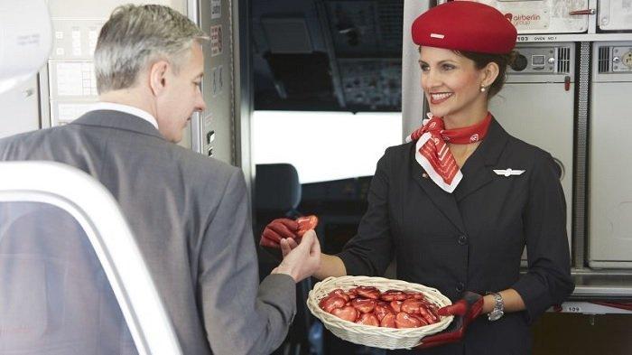 Dilarang Menerima Tip, Pramugari Inginkan Hal Kecil Ini dari Penumpang Pesawat