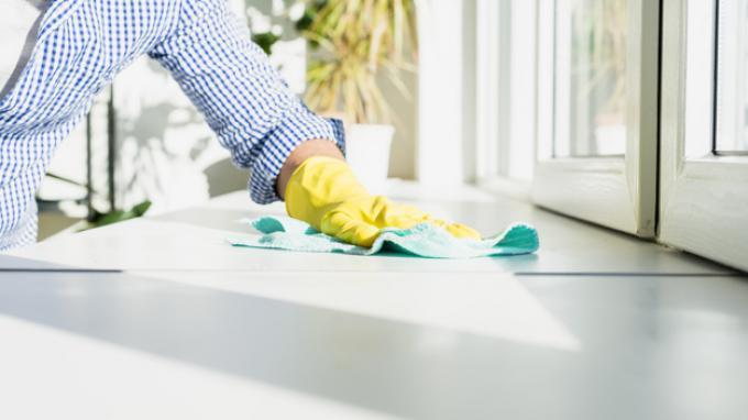 Ilustrasi membersihkan rumah