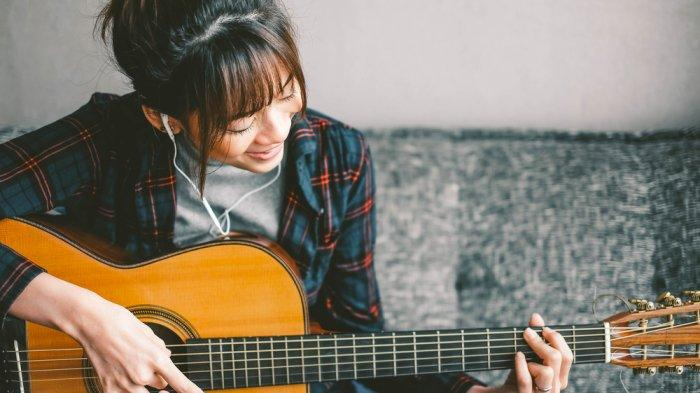 Chord dan Lirik Lagu Hanya Kamu yang Bisa-Tiket: Hanya Kamu yang Bisa Membuat Aku Jadi Tergila-gila