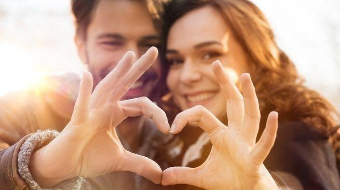 5 Cara Nyatakan Cinta Zaman Now, Modern Tapi Tetap Bikin Klepek-klepek!