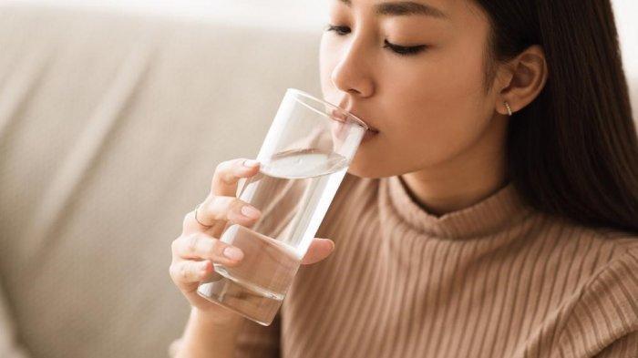 Penting Bawa Air Mineral sebagai Bekal