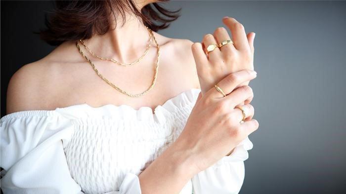 5 Trik Mix and Match Perhiasan Tanpa Terlihat Norak dan Berlebihan