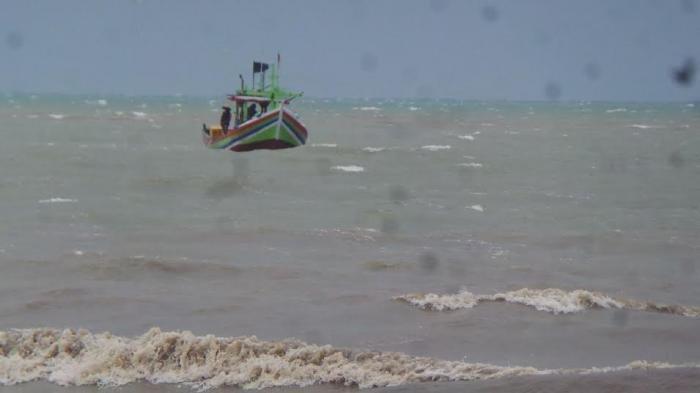 Terobang-Ambing di Perairan Kalimantan, Nelayan Indramayu Berhasil Diselamatkan
