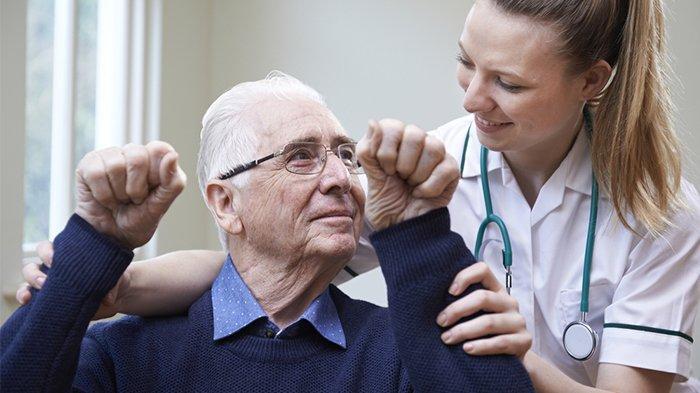 Ilustrasi pasien stroke. Penyakit stroke bsia dicegah dengan mengonsumsi makanan yang mengandung antioksidan, salah satunya buah zaitun.