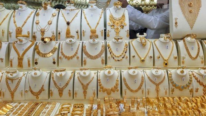 Biaya Hidup Meningkat dan Pendapatan Menurun akibat Pandemi, Warga India Pilih Jual Perhiasan Emas