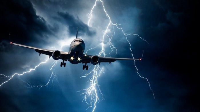 Ilustrasi pesawat tersambar petir