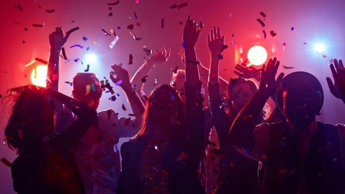 Nikmati Malam Tahun Baru Rasa 90-an di Yello Harmoni-Harris Vertu Harmoni
