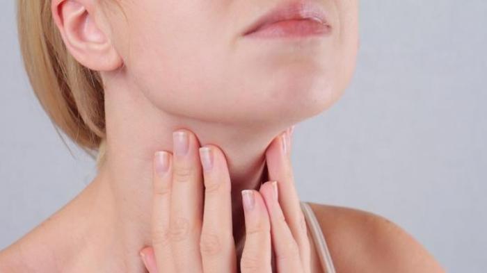 Perhatikan Apakah Ada Tanda-tanda Ini di Leher Anda? Jika Ya, Simak Penjelasan Berikut