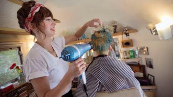 Salon Kembali Buka, 2 Tukang Cukur Positif Corona, 140 Pelanggan Terpapar Covid-19